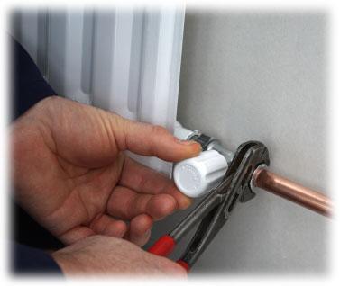 Provádíme montáže deskových radiátorů a deskových topných těles